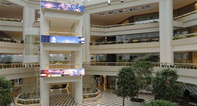 Rénovation de Challenger. Ecrans Atrium et nouveaux bureaux. Guyancourt le 29 janvier 2013